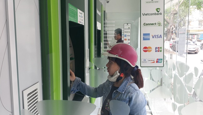 dieu-kien-va-thu-tuc-dang-ky-the-visa-vietcombank-anh2